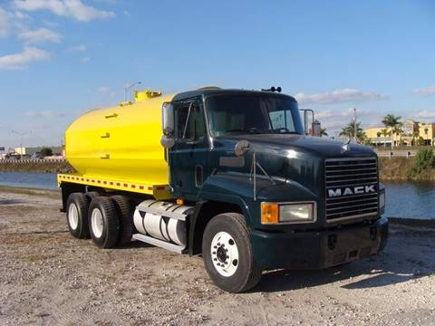 2006 Mack CH613 Water Truck for sale in Miami FL