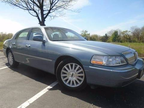 2004 Lincoln Town Car for sale in Gladstone, MO