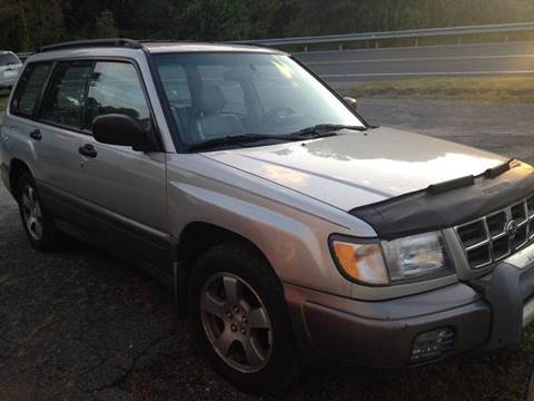 2000 Subaru Forester for sale in Lakeville, CT