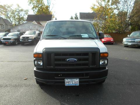 2008 Ford E-Series Wagon for sale at Knowlton Motors, Inc. in Freeport IL