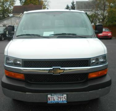 2016 Chevrolet Express Passenger for sale at Knowlton Motors, Inc. in Freeport IL