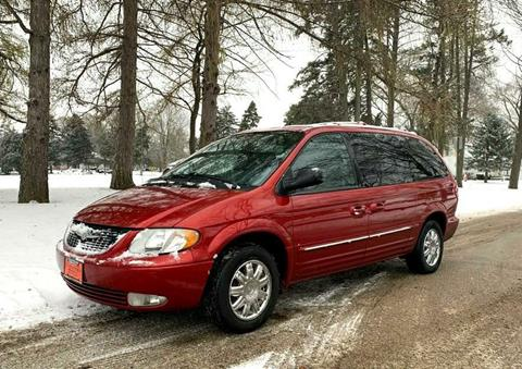 2004 Chrysler Town and Country for sale in Freeport, IL