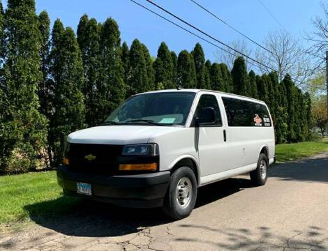 2018 Chevrolet Express Passenger for sale at Knowlton Motors, Inc. in Freeport IL