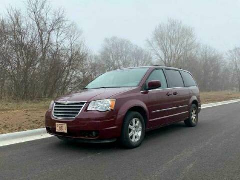 2009 Chrysler Town and Country Touring for sale at Knowlton Motors, Inc. in Freeport IL