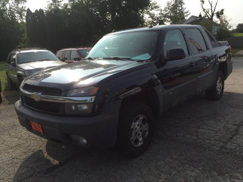 2005 Chevrolet Avalanche for sale at Knowlton Motors, Inc. in Freeport IL