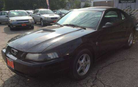 2002 Ford Mustang for sale at Knowlton Motors, Inc. in Freeport IL