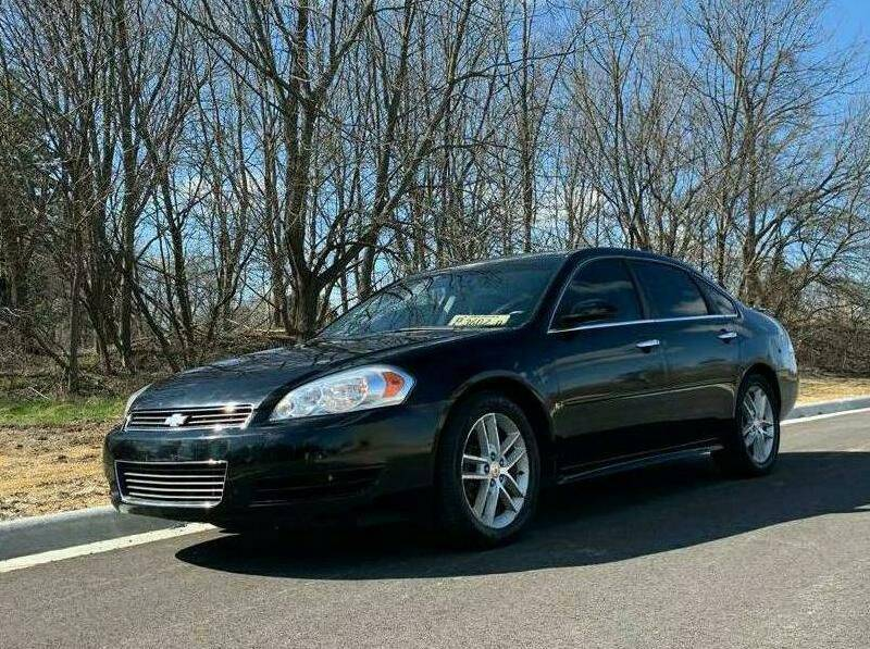 2011 Chevrolet Impala for sale at Knowlton Motors, Inc. in Freeport IL