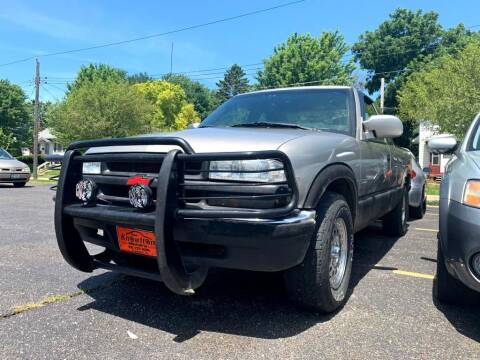 2003 Chevrolet S-10 for sale at Knowlton Motors, Inc. in Freeport IL