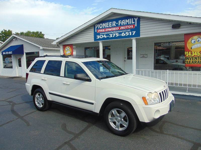 2007 Jeep Grand Cherokee for sale at Pioneer Family Preowned Autos in Williamstown WV