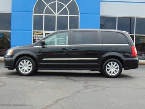 2016 Chrysler Town and Country for sale in Williamstown, WV