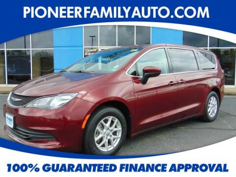 2017 Chrysler Pacifica for sale at Pioneer Family Preowned Autos in Williamstown WV