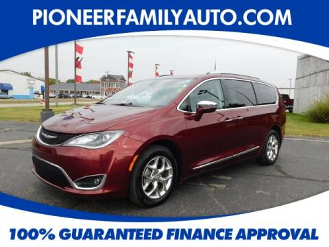2018 Chrysler Pacifica for sale at Pioneer Family Preowned Autos in Williamstown WV