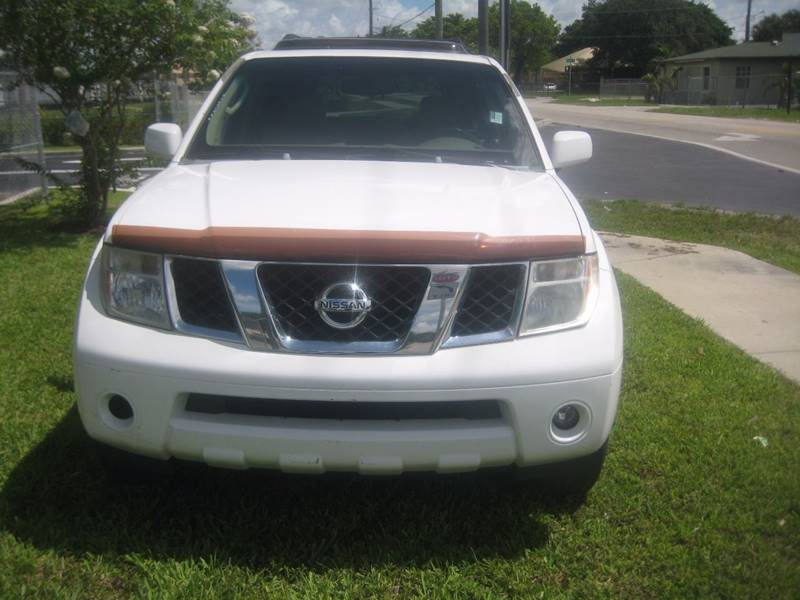 2007 Nissan Pathfinder for sale at Planet Automall in Hollywood FL