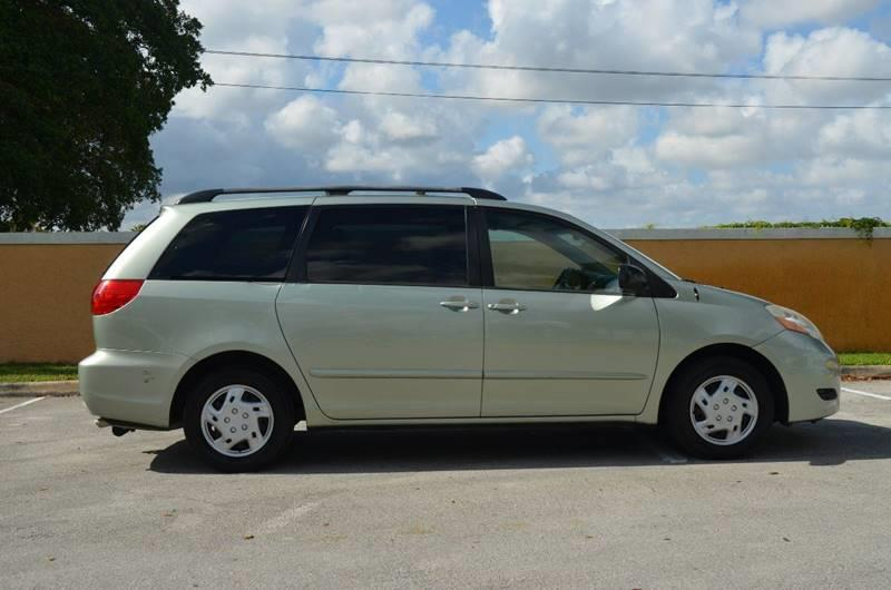 2010 Toyota Sienna for sale at Planet Automall in Hollywood FL