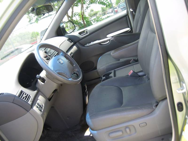 2006 Toyota Sienna for sale at Planet Automall in Hollywood FL