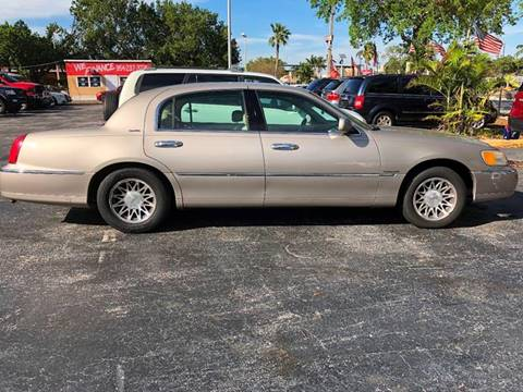 2000 Lincoln Town Car For Sale Carsforsale Com