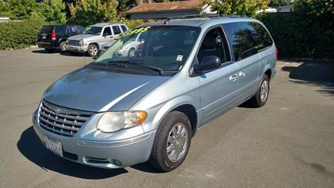 2005 Chrysler Town and Country for sale in Santa Rosa, CA