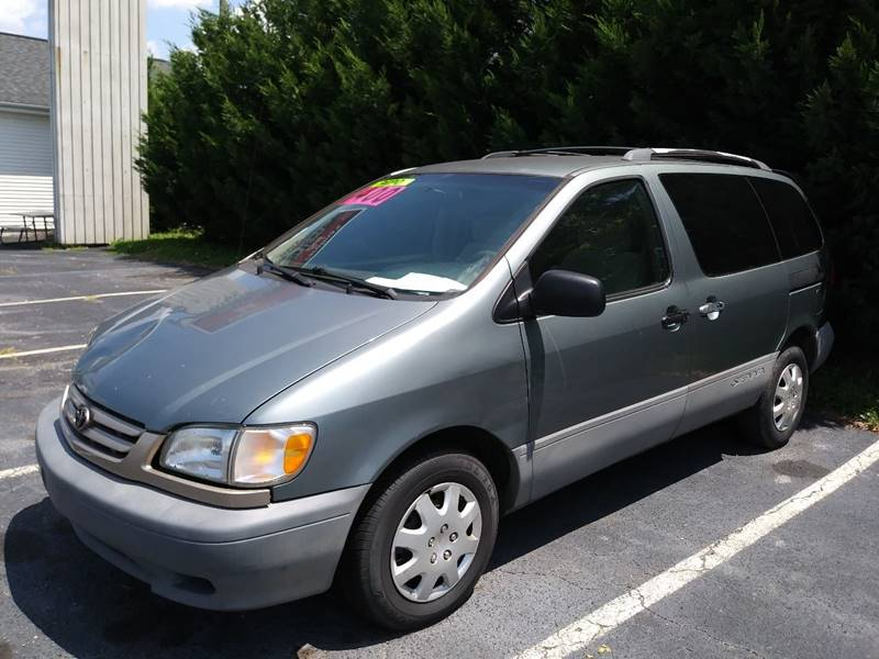 2000 Toyota Sienna for sale at AFFORDABLE AUTO GREER in Greer SC