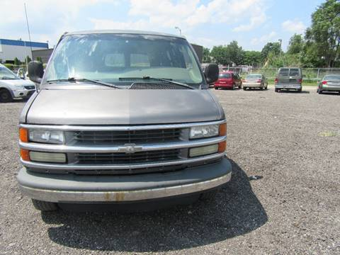 2002 Chevrolet Express Cargo for sale in Detroit, MI