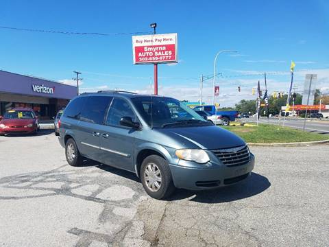 2006 Chrysler Town and Country for sale in Smyrna, DE