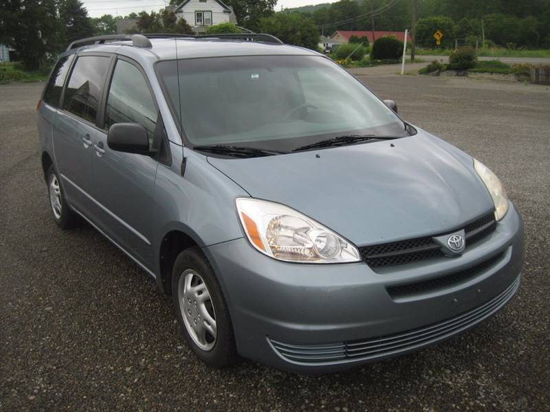 2004 Toyota Sienna for sale at DETAILZ USED CARS in Endicott NY