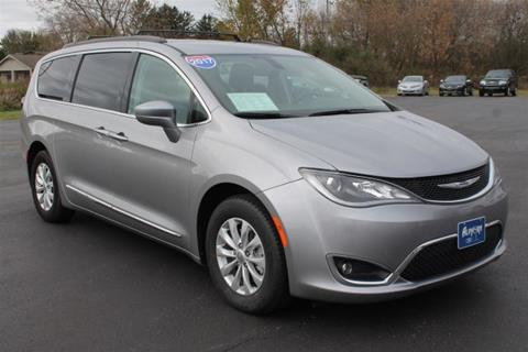 2017 Chrysler Pacifica for sale in Monroe, WI