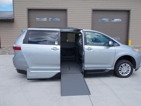 2017 Toyota Sienna for sale in Tea SD