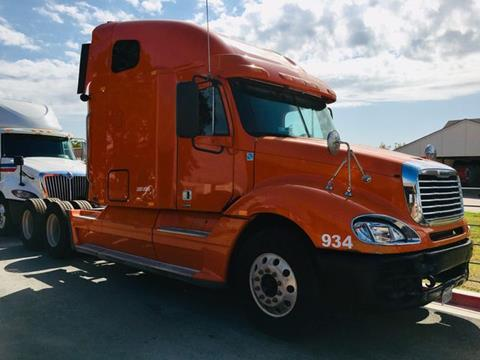 2011 Freightliner Columbia 120 for sale in Weatherford, TX