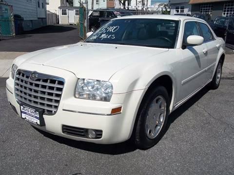 2005 Chrysler 300 for sale in Newark, NJ