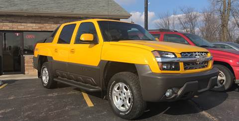 2003 Chevrolet Avalanche for sale at US 30 Motors in Merrillville IN