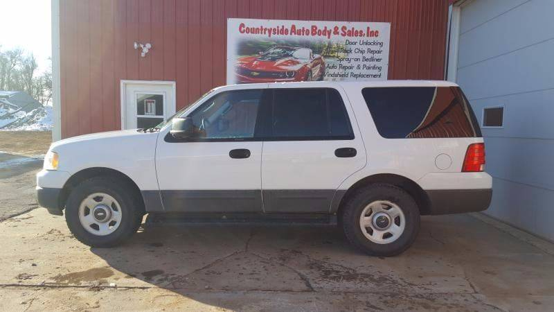 2004 Ford Expedition for sale at Countryside Auto Body & Sales, Inc in Gary SD