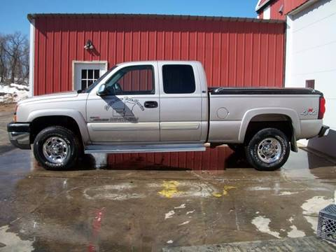 2004 Chevrolet Silverado 2500HD for sale at Countryside Auto Body & Sales, Inc in Gary SD