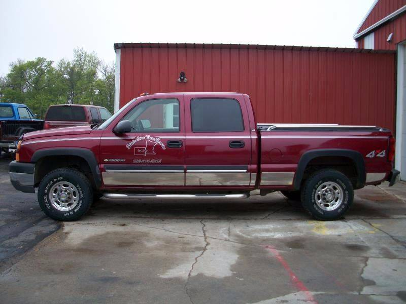 2005 Chevrolet Silverado 2500HD for sale at Countryside Auto Body & Sales, Inc in Gary SD