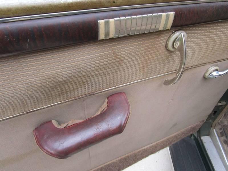 1941 Dodge Luxury Liner 31