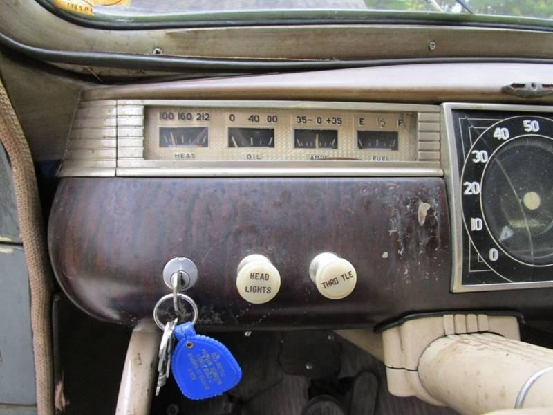 1941 Dodge Luxury Liner 33