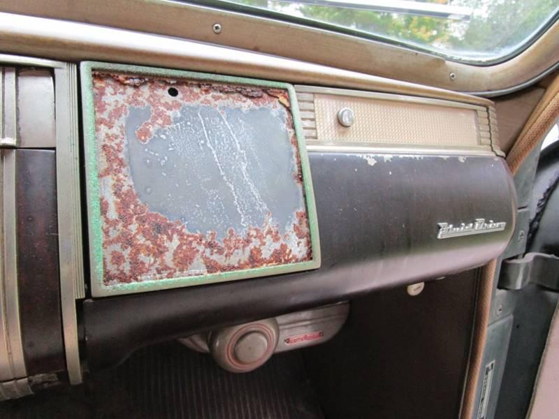 1941 Dodge Luxury Liner 40