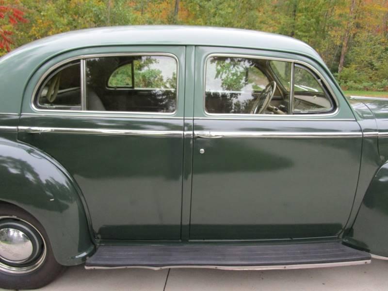 1941 Dodge Luxury Liner 100