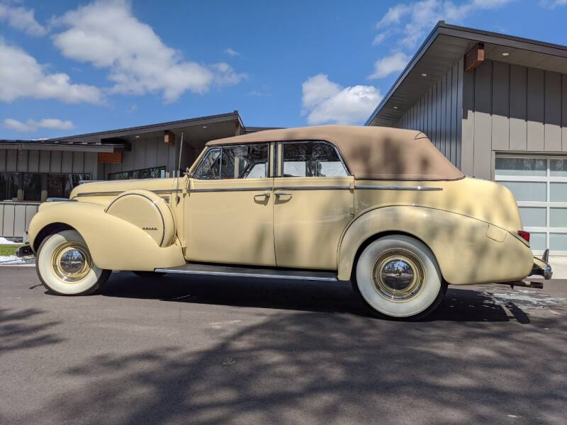 1940 Buick Limited 10