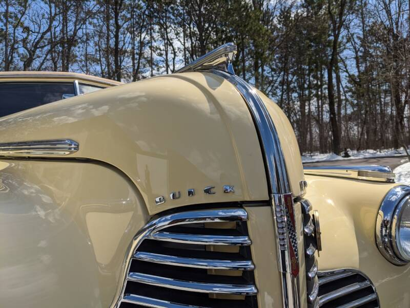 1940 Buick Limited 18