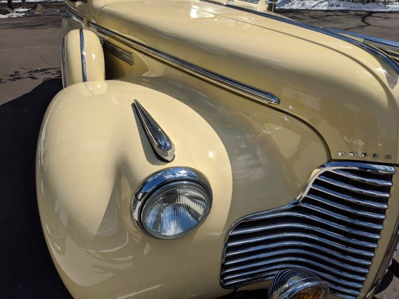 1940 Buick Limited 19