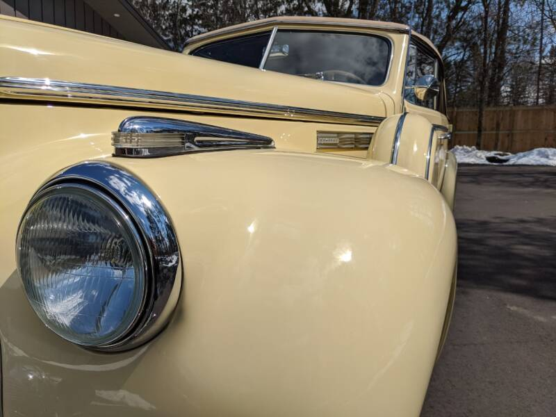 1940 Buick Limited 23