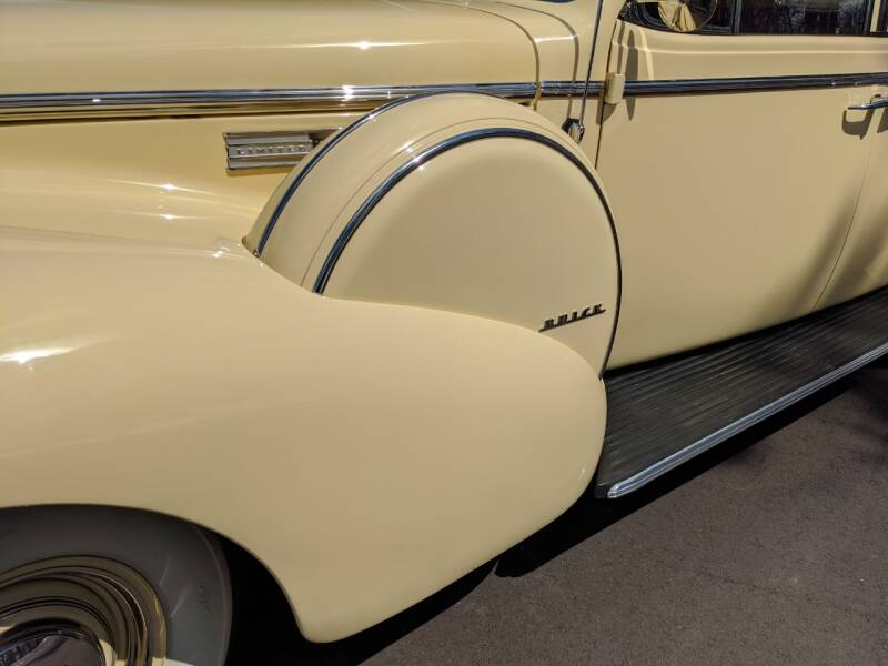 1940 Buick Limited 25