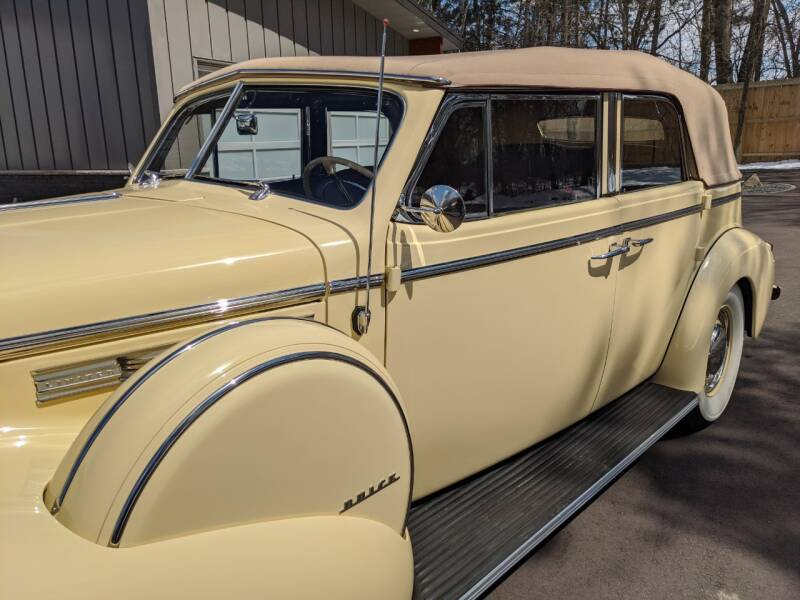 1940 Buick Limited 26
