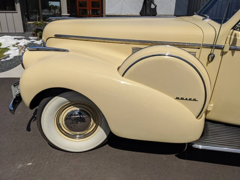1940 Buick Limited 31