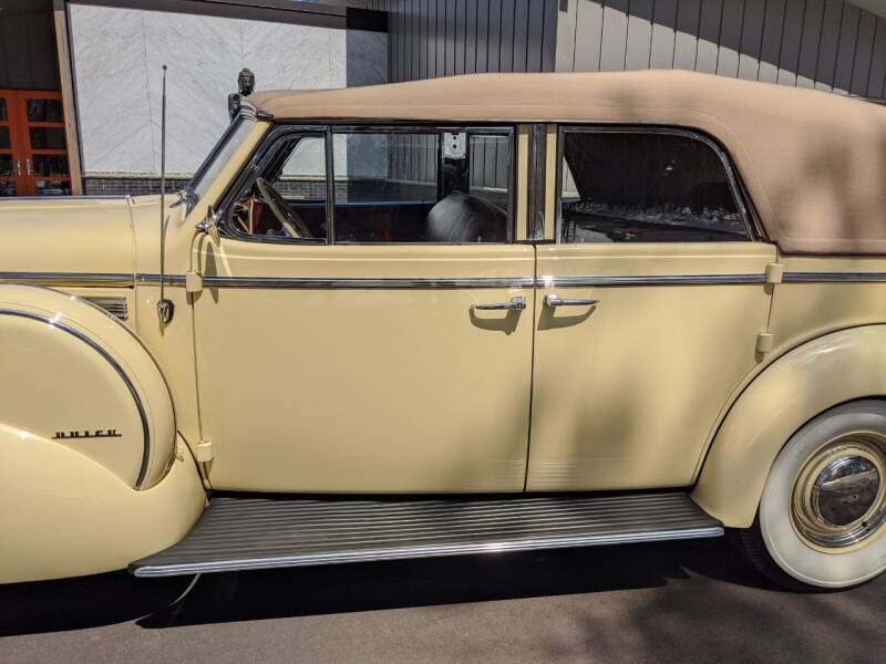 1940 Buick Limited 32