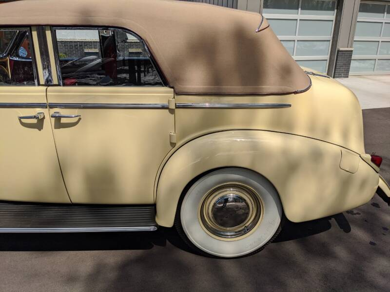 1940 Buick Limited 33