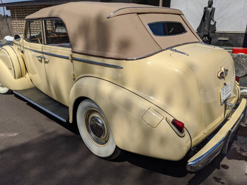 1940 Buick Limited 35