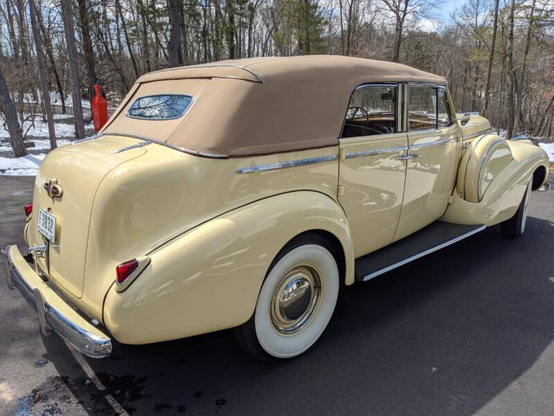 1940 Buick Limited 40