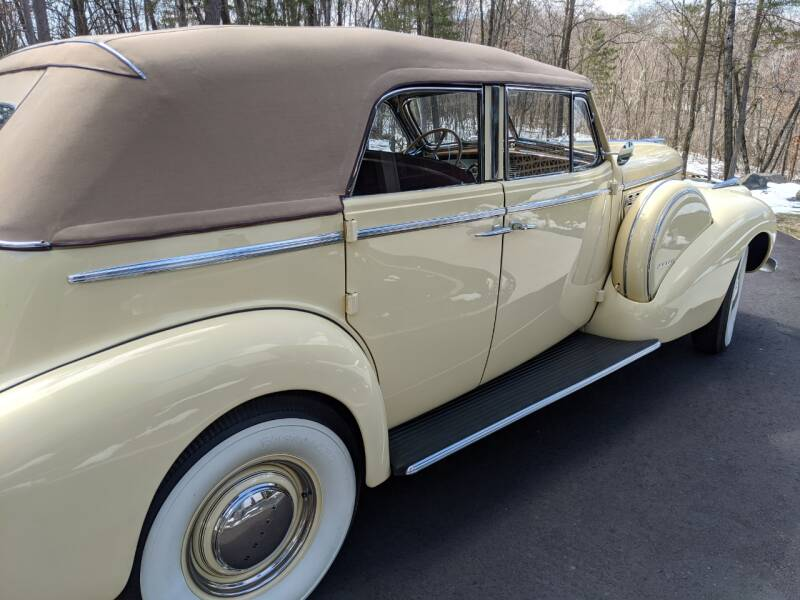 1940 Buick Limited 42