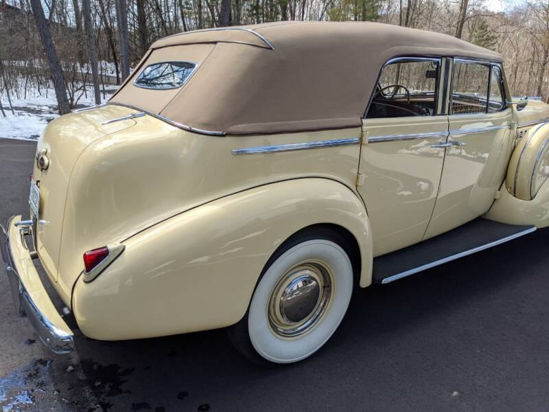 1940 Buick Limited 43
